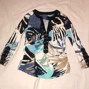 Lace up front top & 3/4 sleeve print rayon Lycra